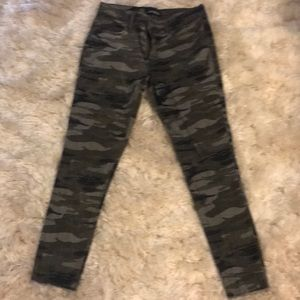 Express camouflage jeans